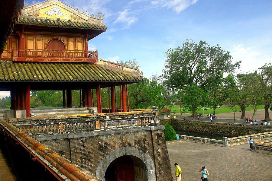 hue private tour