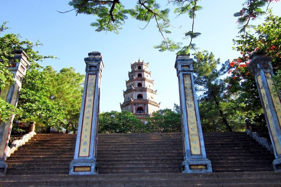 hue private tour from hoian