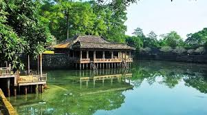 Hue City Tour from Hoi An/Da Nang