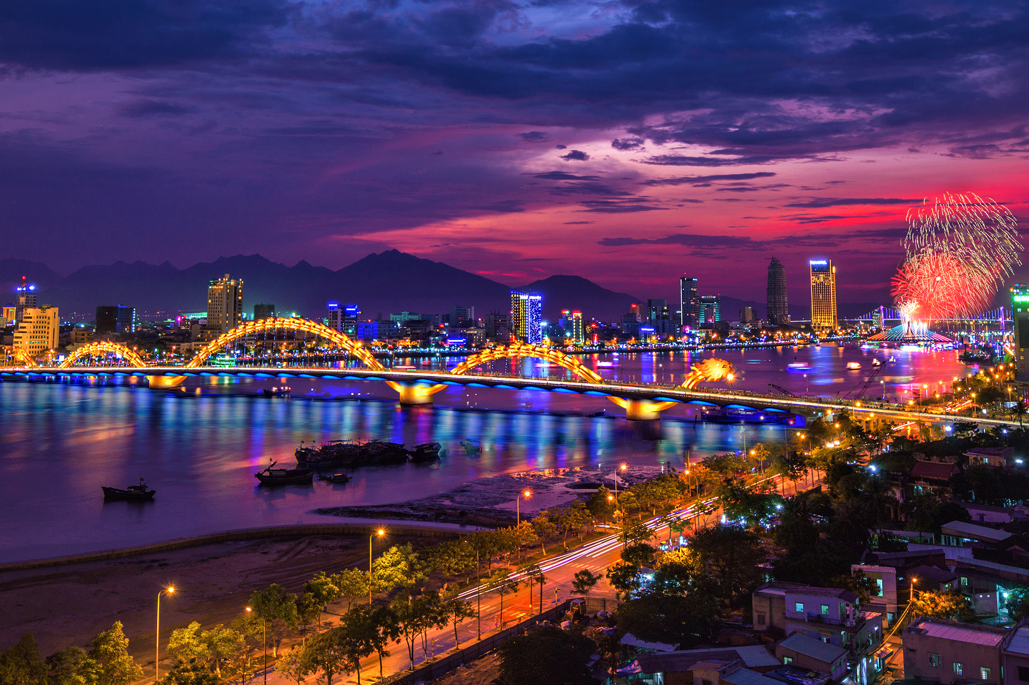 Central Vietnam Package Tour from Thailand