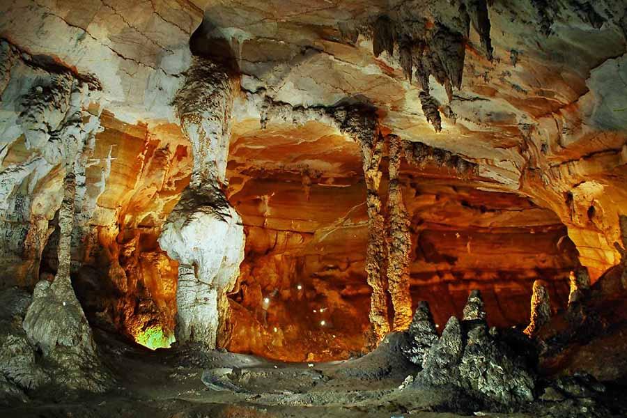 paradise cave tour