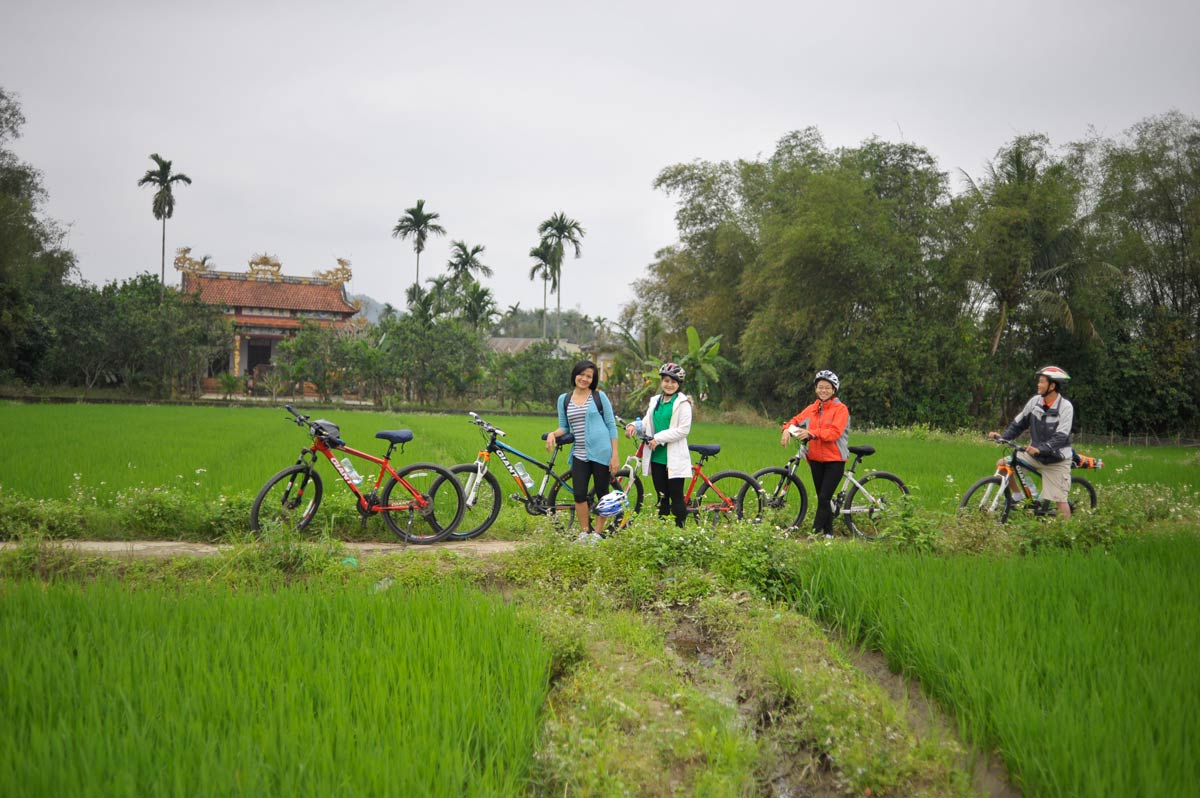 HUE BICYCLE TOUR