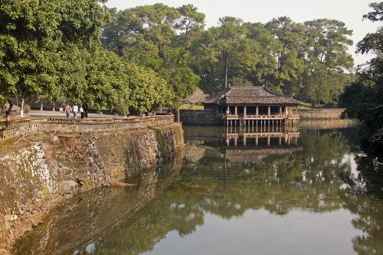 Hue Tour from Tien Sa port